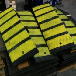 Bordillo delimitador caucho 90 cmx 27 cm