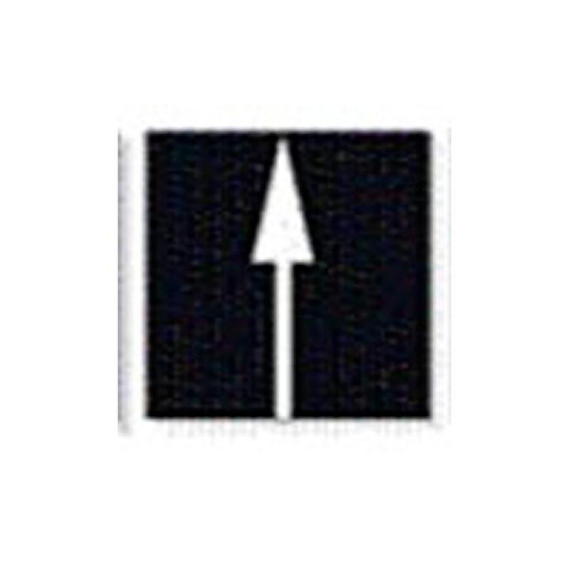 Alfombra marca vial con flecha dirección de frente