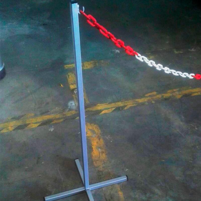 Poste perimetral metálico con base