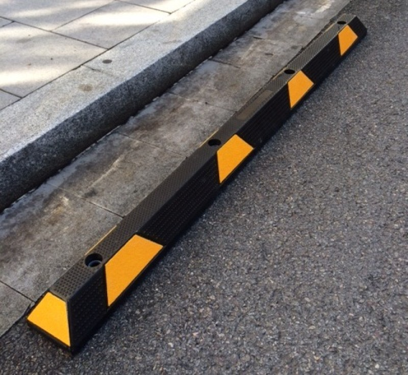 Separador carriles (tornillería) 178 x 14 x 10 cm (